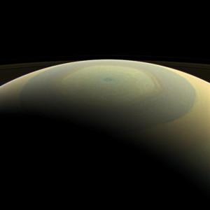 3. Heksagonet (sekskanten) på Saturns nordpol